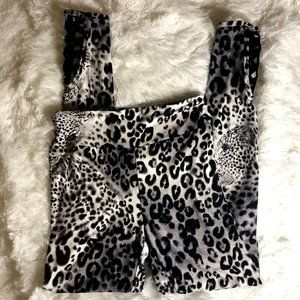 Super Soft Womens No Boundaries White Leopard Legg